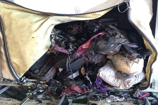 """""""بالصور"""" شاهد حاوية حقائب تحمي الطائرات من انفجار القنابل لاسمح الله   المربع نت"""