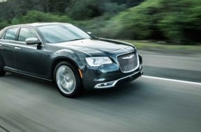 2015-Chrysler-300C-30