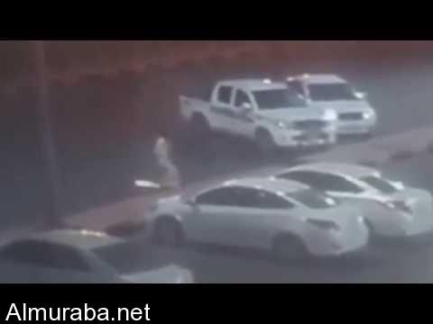 """""""فيديو"""" شابان يسرقان السيارات وقت الإفطار و""""شرطة جازان"""" تطيح بهما – المربع نت"""