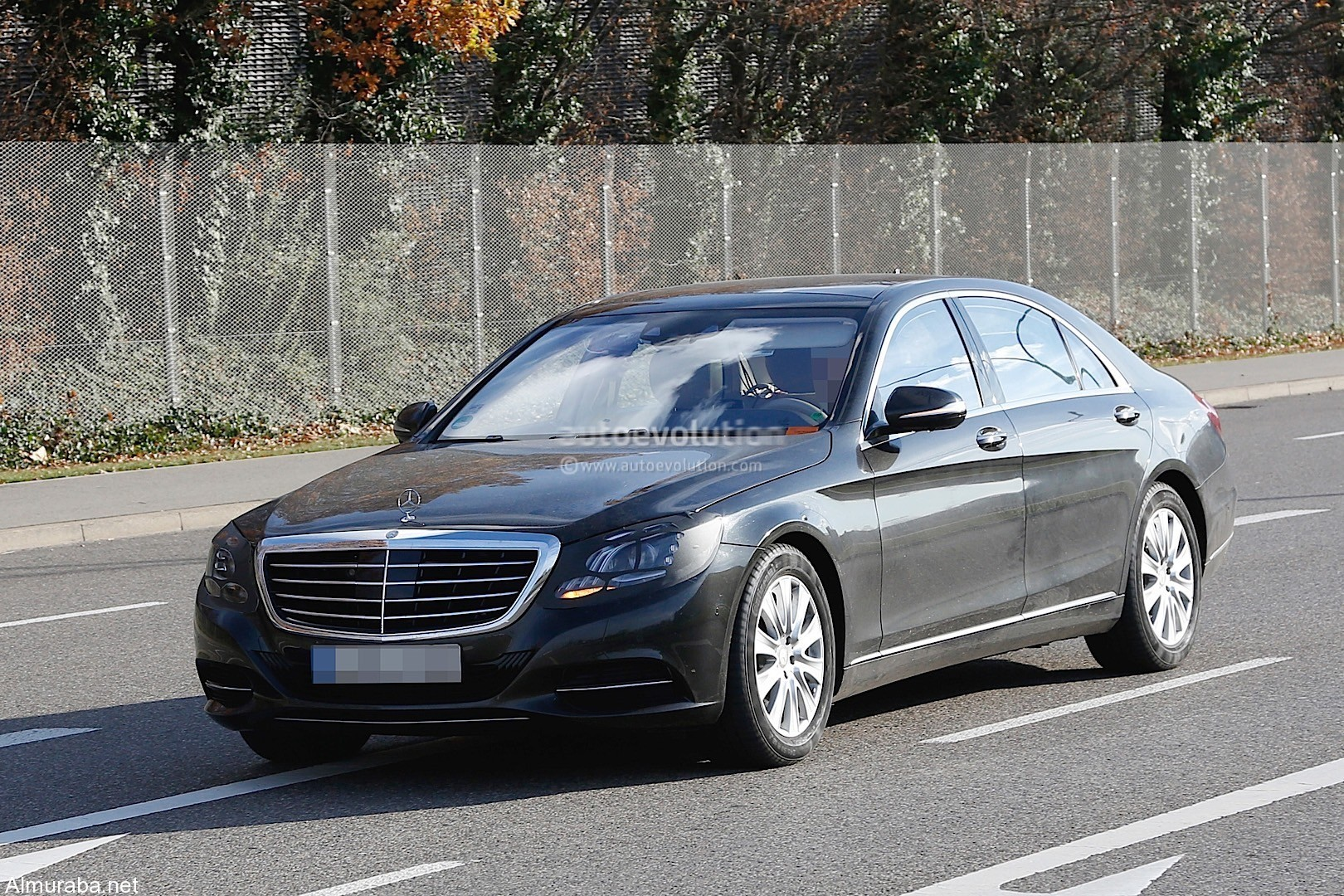 2018-mercedes-benz-s-class-facelift-spied-for-the-first-time-showing-minor-changes_6
