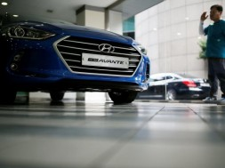 Hyundai Motor's Avante also known as Elantra in U.S. is seen at a dealership in Seoul, South Korea, July 20, 2016.   REUTERS/Kim Hong-Ji