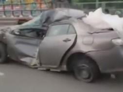 toyota-corolla-crash-pakistan