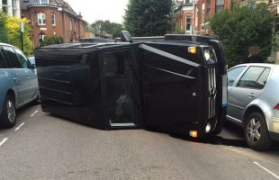 mercedes-benz-g-class-suv-ends-up-on-its-side-after-the-driver-avoided-a-cat-110681_1