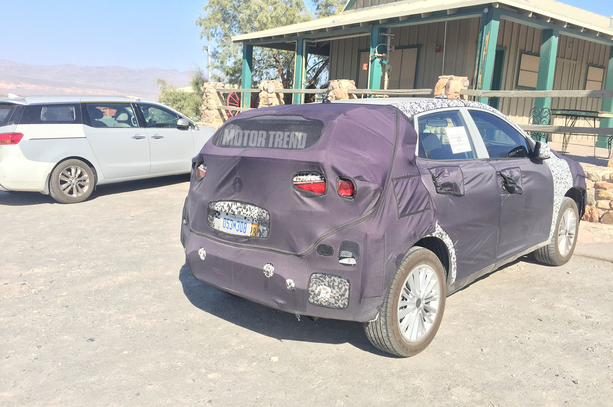 kia-compact-crossover-prototype-rear-three-quarter-1