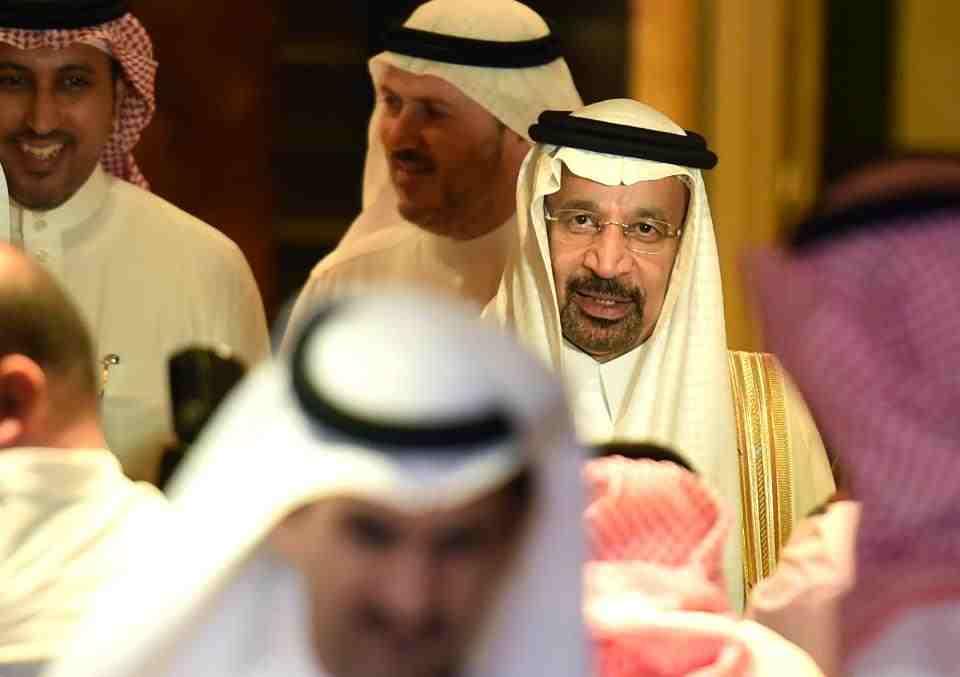 """دونالد ترامب يعد بحظر البترول السعودي ووزير النفط """"خالد الفالح"""" يرد عليه   المربع نت"""