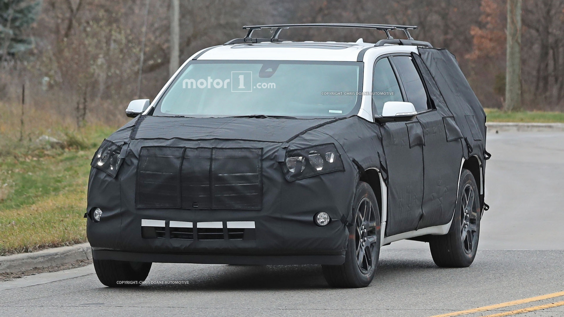 2018-chevy-cuv-spy-photos-1