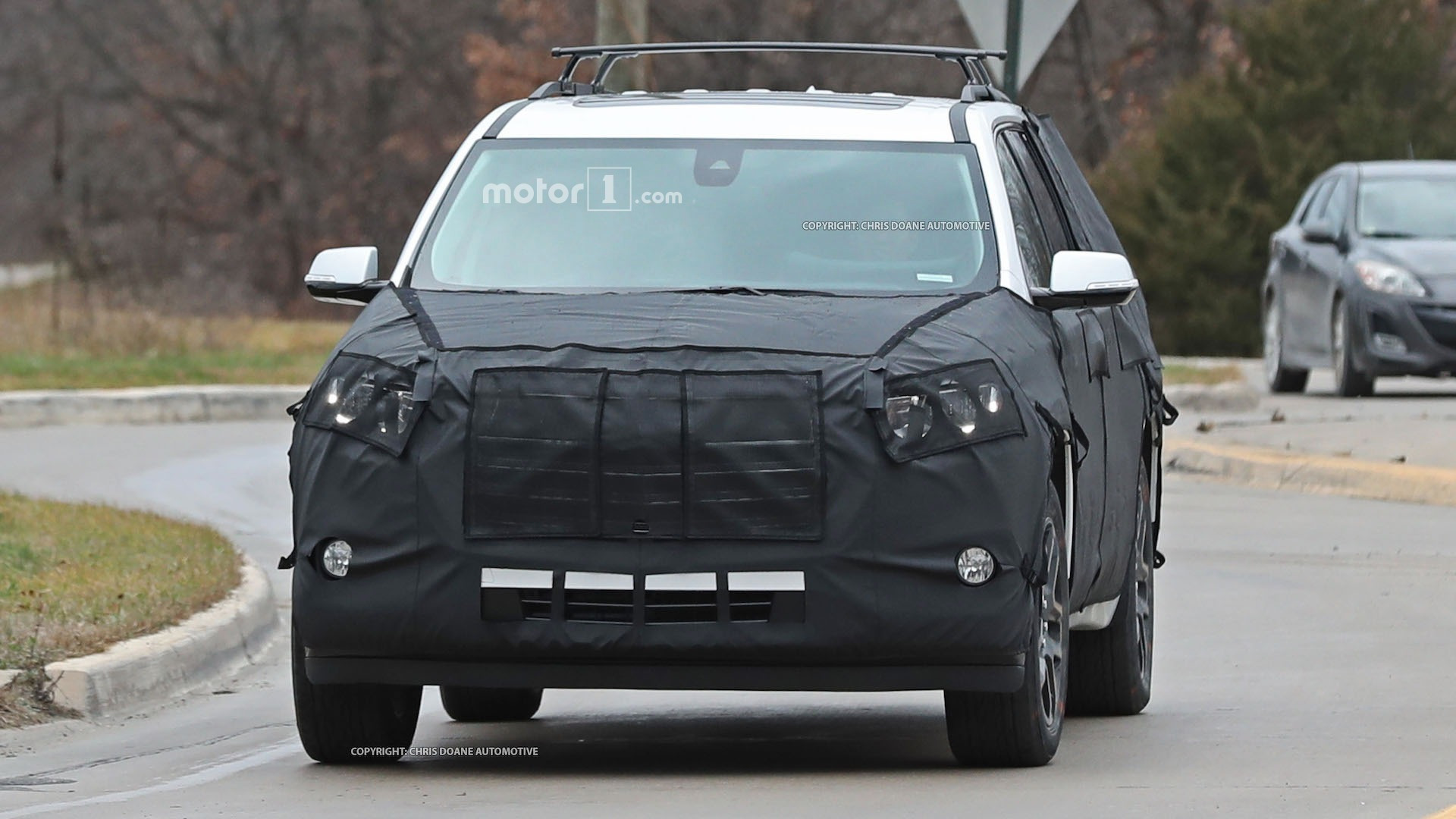 2018-chevy-cuv-spy-photos
