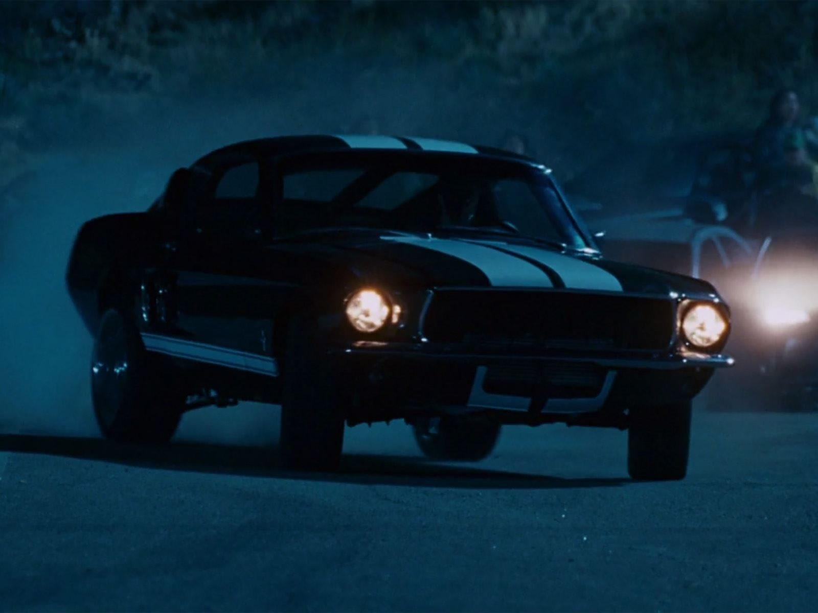 بإمكانك الآن امتلاك فورد موستنج 1967 بمحرك نيسان Gt R التي