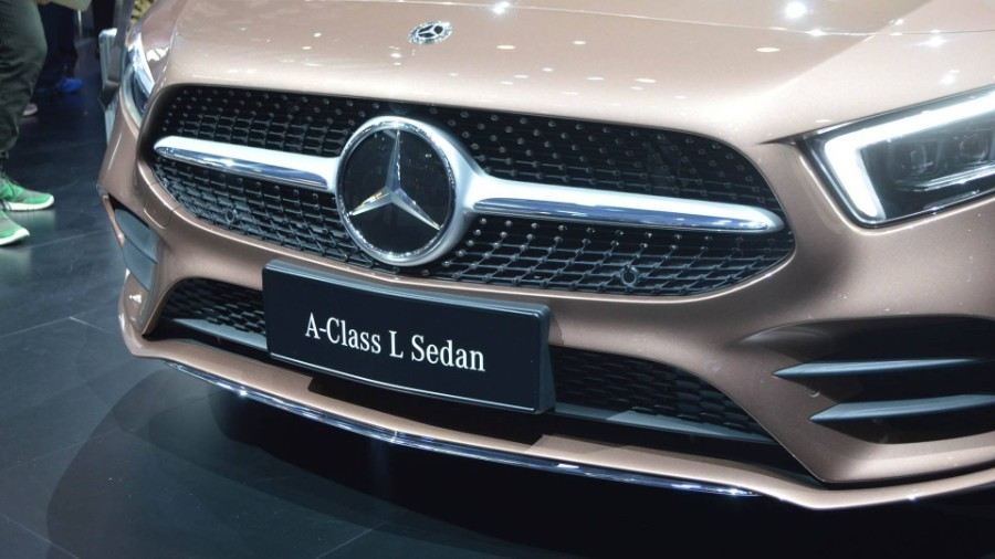رد: مــرسـيــدس C-Class L 2019 . A-Class L سـيــدان -صـــــــور