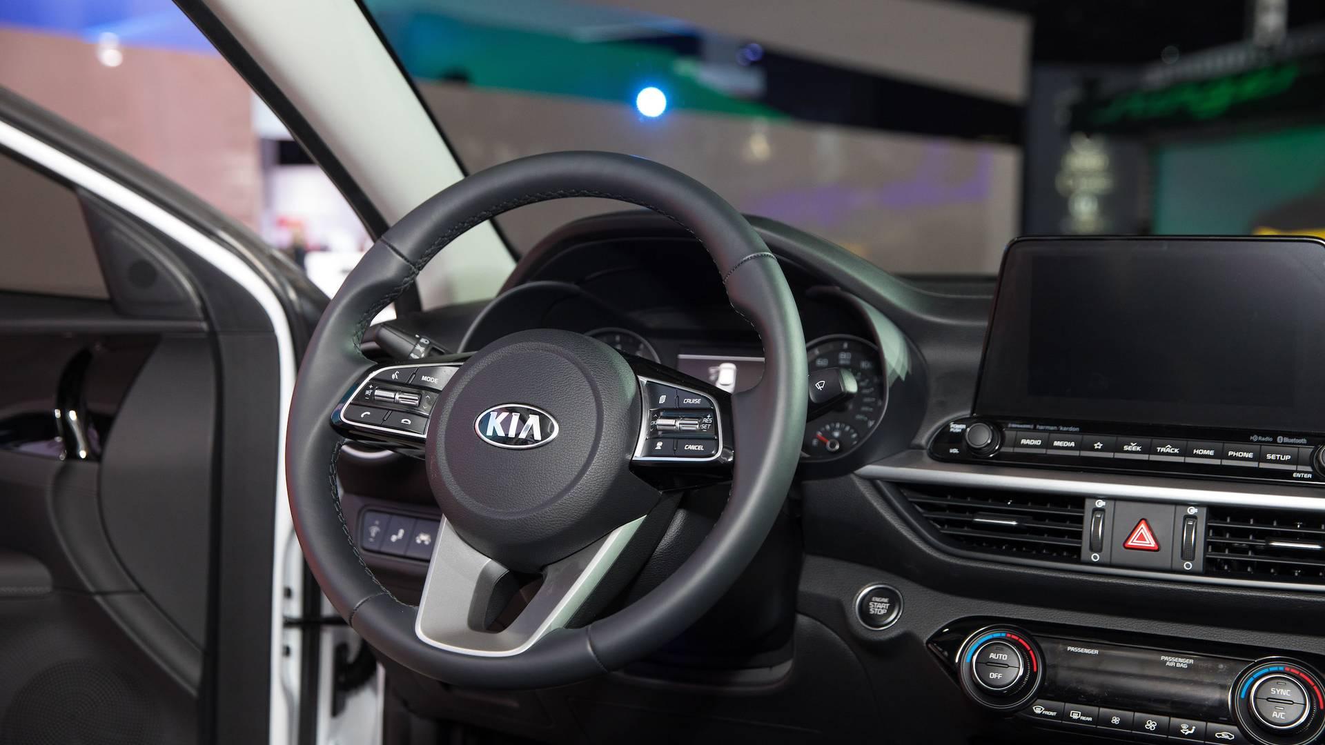Image besides Kia Forte also Trunk Space Empty additionally Novo Kia Cerato likewise Kia Cerato Interior. on kia cerato interior