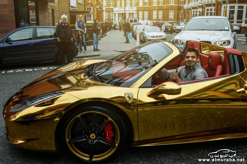 """""""بالصور"""" فيراري 458 ايطاليا """"عراقية"""" باللون ذهبية تخطف أنظار المارة في شوارع لندن - المربع نت"""