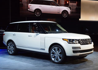 رنج روفر LWB تبهر الحضور في معرض لوس أنجلوس بموديلها الجديد Range Rover