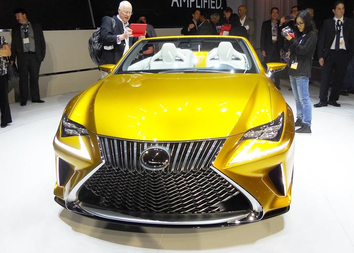 """لكزس Lexus LF-C2 بالسقف المكشوف ومحرك V8 تظهر رسمياً """"صور ومواصفات"""""""
